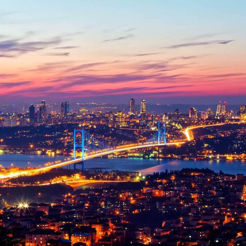 جسر البوسفور ليلا ً