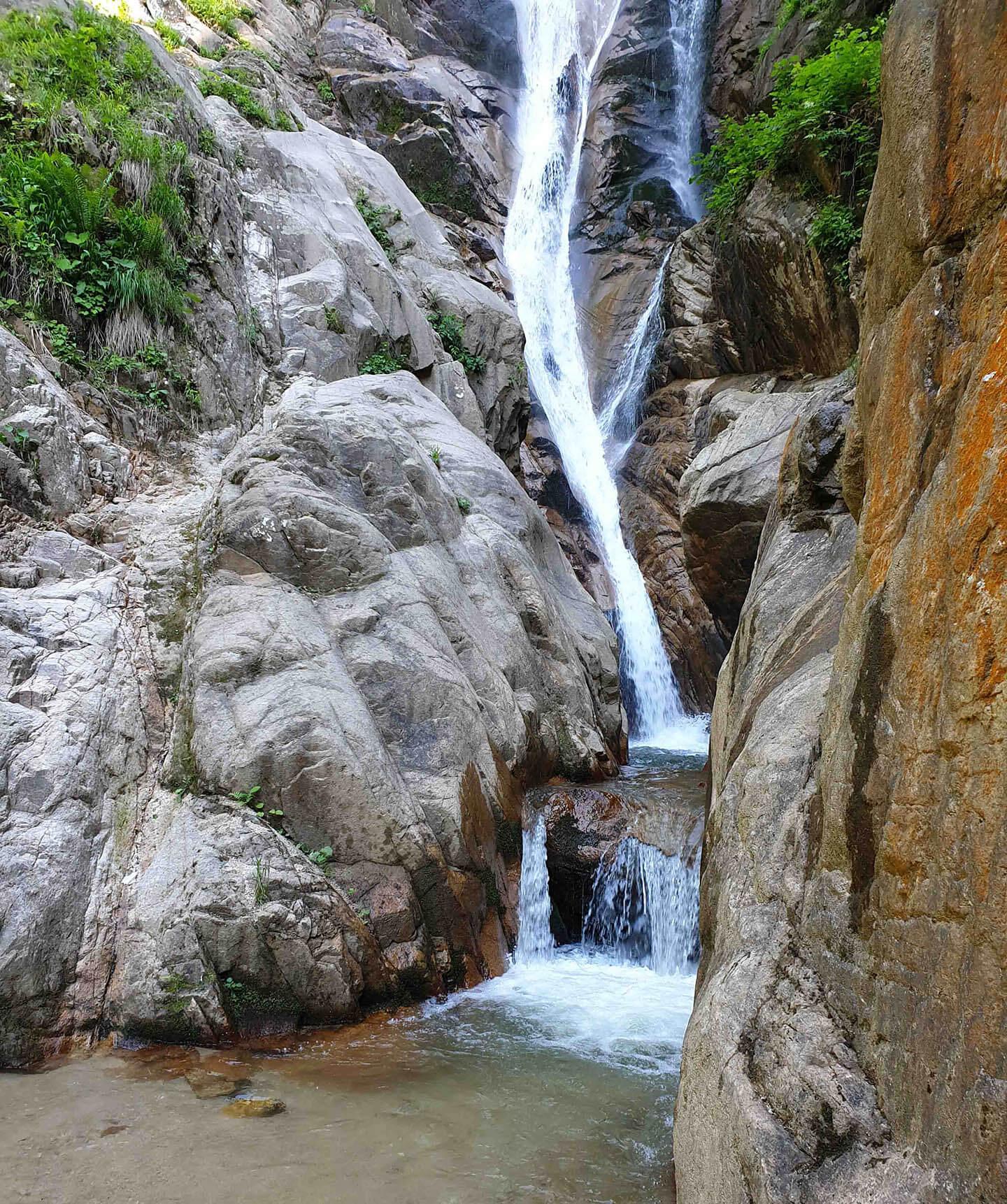 الشلالات في قرية اكيزدرا